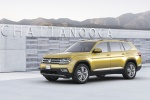 2018 Volkswagen Atlas V6 SEL in Kurkuma Yellow Metallic - Static Front Left Three-quarter View