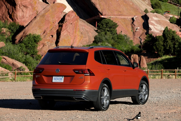2018 Volkswagen Tiguan SEL in Habanero Orange Metallic from a rear right view