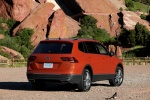 2018 Volkswagen Tiguan SEL in Habanero Orange Metallic - Static Rear Right View
