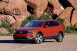 2018 Volkswagen Tiguan SEL in Habanero Orange Metallic - Static Front Left Three-quarter View