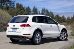 2014 Volkswagen Touareg TDI in Pure White - Static Rear Right View