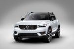 2020 Volvo XC40 T5 R-Design AWD in Crystal White Metallic - Static Front Left View