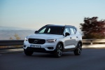 2020 Volvo XC40 T5 R-Design AWD in Crystal White Metallic - Driving Front Left Three-quarter View