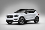 2020 Volvo XC40 T5 R-Design AWD in Crystal White Metallic - Static Front Left Three-quarter View