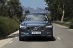 2018 Volvo XC60 T6 AWD in Denim Blue Metallic - Driving Frontal View