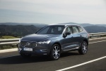 2018 Volvo XC60 T6 AWD in Denim Blue Metallic - Driving Front Left View