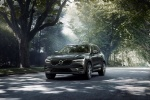 2018 Volvo XC60 T6 AWD in Pine Gray Metallic - Driving Front Left View